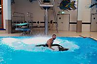 Schwimmbadtraining Tobi