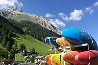 Schweizer Wildwasserwoche 2019 - Anhänger mit Kajaks geladen